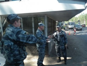 Толпа кавказцев напала на полицейских на Павелецком вокзале