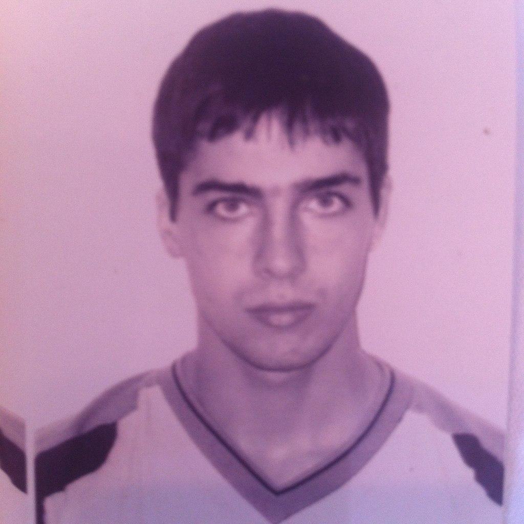 В Питере группа кавказцев зарезала парня у бара