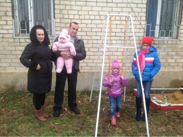 На Ставрополье русскую многодетную семью пытаются выгнать на улицу